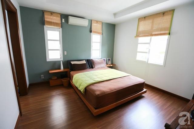 Phòng ngủ yên bình với gam màu nâu nhẹ nhàng