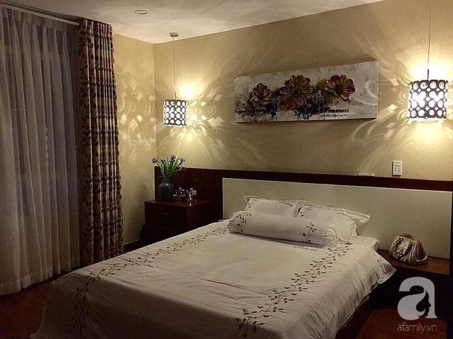 Phòng ngủ được trang trí theo phong cách cổ điển.