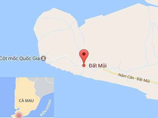 Tai nạn xảy ra trên đường Hồ Chí Minh từ Năm Căn đi Đất Mũi, cách trung tâm xã Đất Mũi khoảng 3 km. Ảnh: Google Maps.