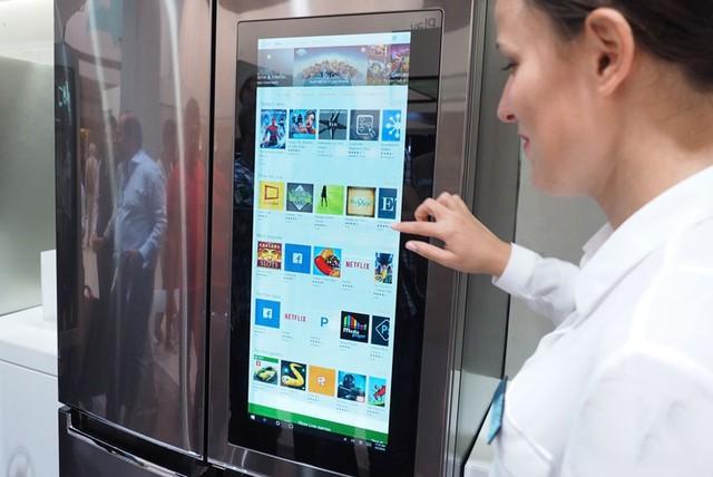 Tủ lạnh có Windows 10 cho phép người dùng tải và sử dụng nhiều ứng dụng được yêu thích
