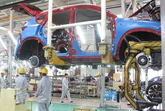Những nhà sản xuất lớn như Trường Hải, Hyundai Thành Công đầu tư mở rộng nhà máy, quy mô sản xuất để xuất ngược các mẫu xe sang thị trường ASEAN.