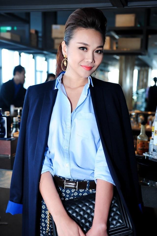 Nhiều nguồn tin cho rằng siêu mẫu Thanh Hằng là người tiến cử Minh Hằng ngồi ghế nóng The Face và sau đó cô cũng là người an ủi đàn em.