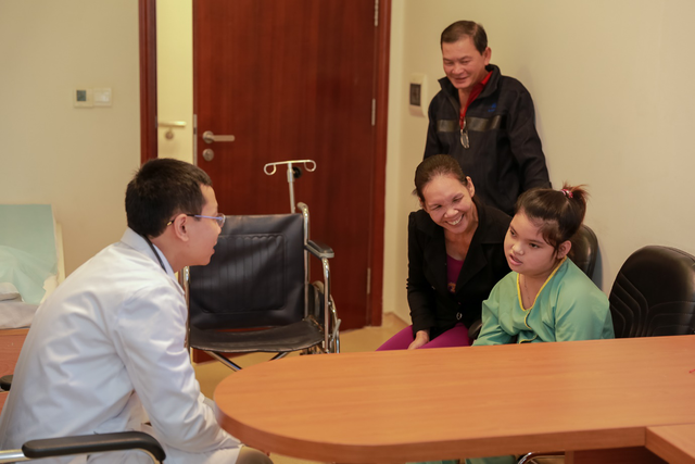 Thanh Tuyền là một trong những bệnh nhân đáp ứng tốt với phương pháp ghép tế bào gốc điều trị bại não
