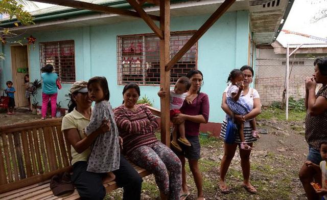 Bố mẹ lạm dụng tình dục, dùng thân xác con để kiếm tiền đang là một vấn nạn nhức nhối ở Philippines.
