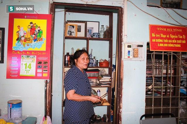 Bà Thương - người chăm sóc nhạc sĩ nhiều năm nay.