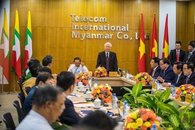 Tổng Bí thư chúc mừng MyTel được thành lập và bước đầu hoạt động tại Myanmar.