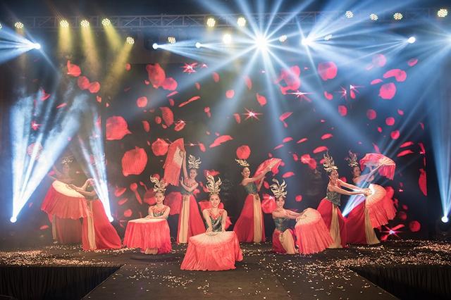 Đây chính là lễ ra mắt thương hiệu hoành tráng nhất Việt Nam