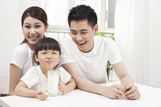 Bên cạnh việc tập luyện, mẹ cũng cần chú ý bổ sung các dưỡng chất quan trọng để con luôn năng động.