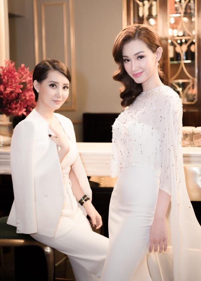 Quỳnh Chi và Á khôi doanh nhân đất Việt Thanh Xuân ở sự kiện. Ảnh: NVCC.