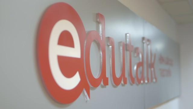 Xu hướng giáo dục trực tuyến ngày càng thịnh hành