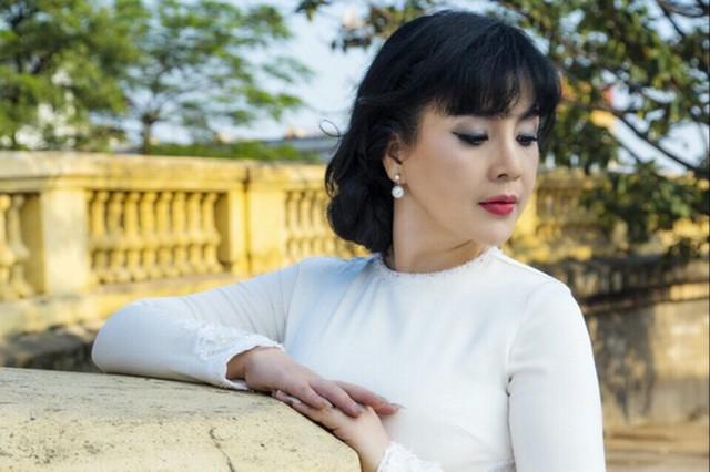 NSND Lan Hương từng bị khán giả nhận nhầm là con gái khi gặp ở ngoài đời.