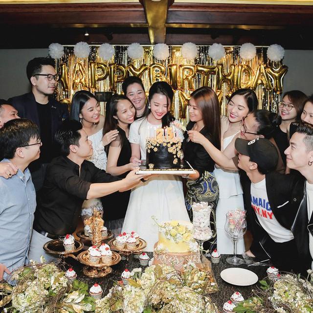 Xuân Thảo trong ngày sinh nhật có sự chúc mừng của Phan Thành.