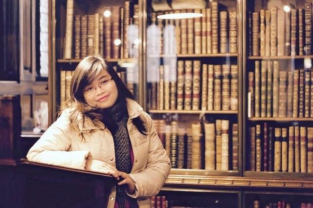Mỗi cuốn sách trong từng thư viện đã giúp cô gái Việt tích lũy, mở mang vốn tri thức.