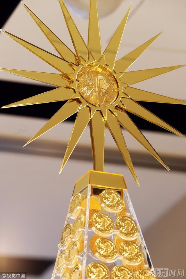 Đồng vàng khổng lồ ở vị trí cao nhất nặng hơn 500g