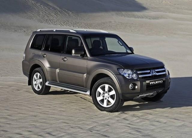 Mẫu SUV đắt nhất của Mitsubishi Việt Nam là Pajero cũng được ưu đãi mạnh trong đợt này.