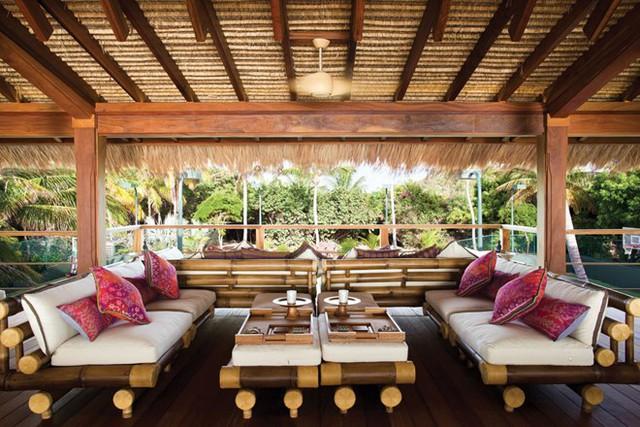 Tất cả các khu vực thư giãn trên đảo đều thiết kế mở, gần gũi với thiên nhiên xung quanh. Ảnh: Virgin Limited Edition.
