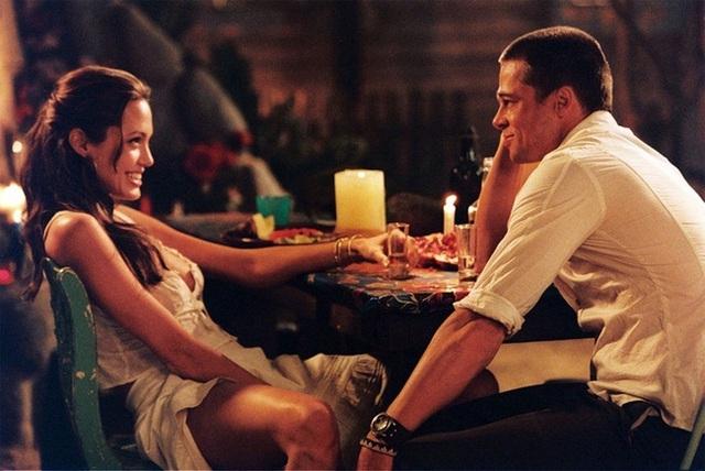 Brad Pitt và Angelina Jolie đã lặng lẽ yêu nhau và thuyết phục công chúng tin vào tình yêu của họ bằng cách sống hạnh phúc trong 10 năm trời.