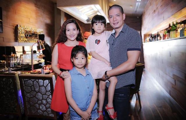 Kết hôn 9 năm, cặp đôi có hai con gái đáng yêu An Nhiên và An Như. Hai bé đều được bố mẹ cho học tại trường quốc tế.