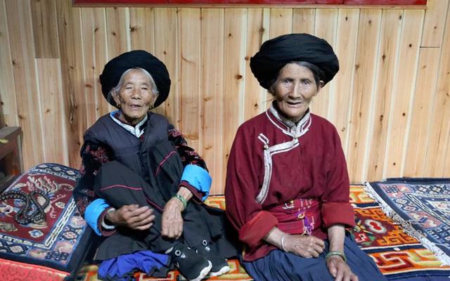 Phụ nữ Mosuo là người quyết định mọi vấn đề lớn nhỏ trong cuộc sống chứ không phải đàn ông.