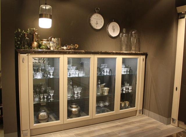 Tủ kính không chỉ là sự lựa chọn hoàn hảo cho nhà bếp mà còn là lựa chọn tốt nhất cho phòng ăn.