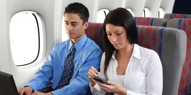 Để đảm bảo an toàn tuyệt đối, phi hành đoàn vẫn yêu cầu khách hàng tắt điện thoại.