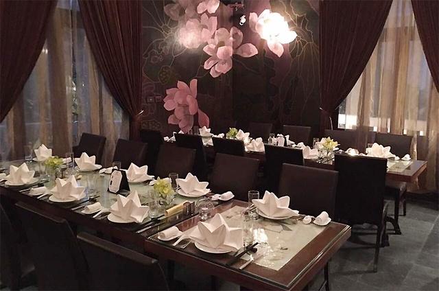 Món ăn và không gian nhà hàng tại Dã Liên.