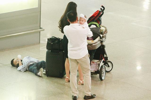 Ông xã phụ Vy Oanh vế em bé thứ hai vừa tròn 3 tháng.