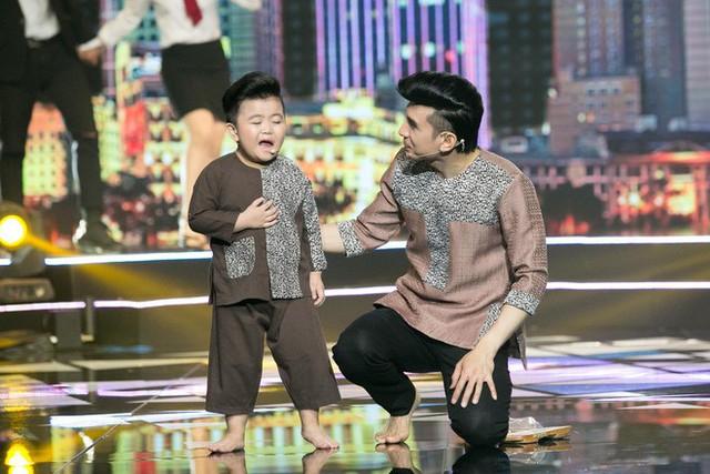 Không chỉ Tin Tin, học trò cưng Trung Quang cũng xuất hiện để yểm trợ cho Đan Trường với bài hát Mãi yêu em như ngày đầu và Đổi thay.