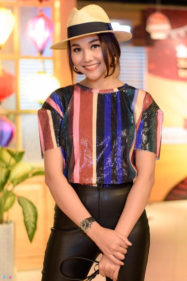 15 năm làm người mẫu, Thanh Hằng cảm thấy chán khi nghe ai nhắc đến cụm từ người đẹp - đại gia.