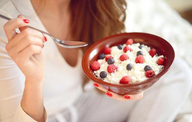 Phô mai Cottage là một loại thực phẩm nuôi cấy, nó là nguồn cung cấp probiotic rất tốt.