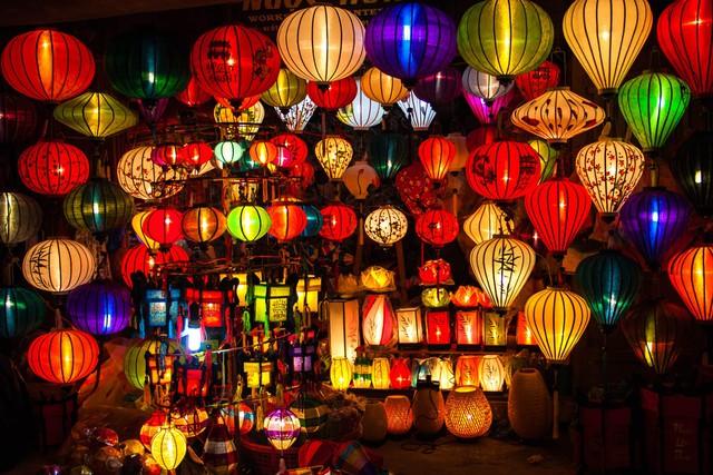 Những chiếc đèn lồng xinh xắn, bắt mắt ở phố Hội - Ảnh: Ferdinand Mul