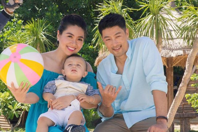 Vẻ bụ bẫm, đáng yêu của con trai Lý Thanh Thảo khiến Lê Khánh và Trí Nguyễn đều thích thú. Cả hai đã mất nhiều thời gian để làm thân với cậu nhóc trước khi quay phim.
