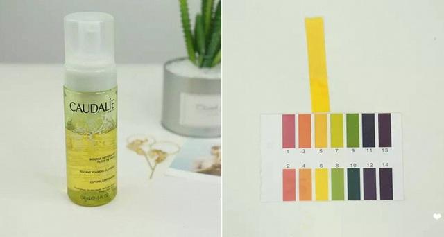 Caudalie Grape Gentle Cleansing Mousse (250.000VNĐ/ 50ml) có độ pH cũng khoảng bằng 5, với thành phần lành tính, cung cấp độ ẩm nhẹ cho da, có thể sử dụng với cả những làn da nhạy cảm, da bị kích ứng, nổi mụn.