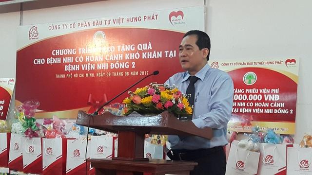 Lãnh đạo bệnh viện phát biểu cảm ơn công ty Việt Hưng Phát và Kim Phát