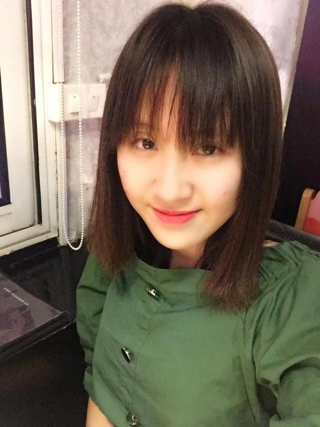 Hoàng Yến hiện đang là sinh viên năm 2 trường Đại học Ngoại ngữ. Cô nàng là 1 trong số những sinh viên khá năng động và nổi bật của khoa tiếng Đức.