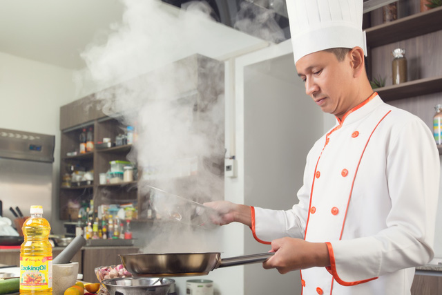 Cooking Oil Tường An chính là bí kíp tạo nên những món chiên giòn ngon hảo hạng của Chef Alain