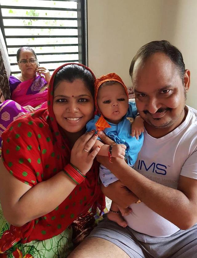Hiện tại bé Prayan đã ổn định sức khỏe, tuy nhiên vẫn cần được theo dõi dưới sự giám sát của các bác sĩ.