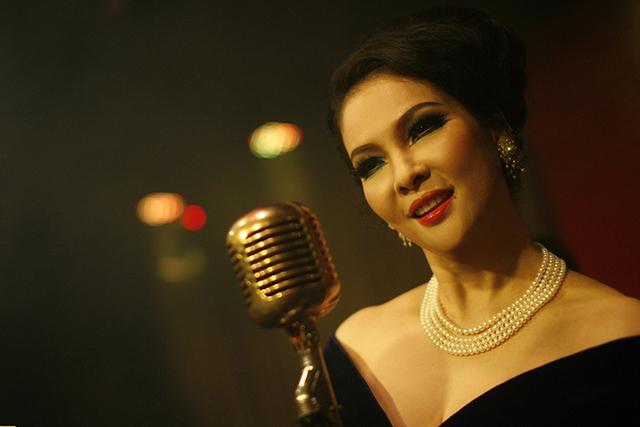 Người mẫu Thuỷ Hương xuất hiện đầy quyến rũ trong phim.