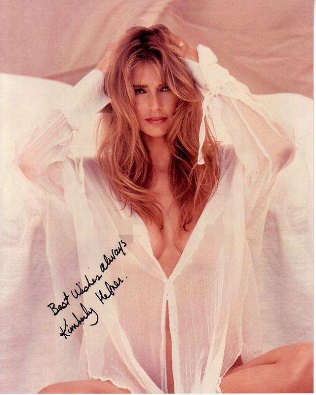 Kimberly Conrad cũng là một trong hai người vợ cũ của ông chủ Playboy. Hiện tại, con trai của Kimberly chính là người thừa hưởng quyền điều hành lớn nhất của doanh nghiệp do ông Hefner để lại sau khi qua đời. Từ thập niên 50 tới 70, doanh thu của ông Hefner lên tới hàng chục triệu USD mỗi năm.