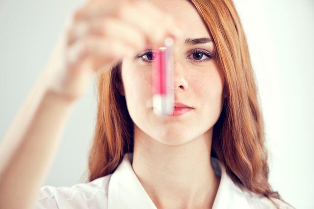 Bạn nên đi kiểm tra sức khỏe sinh sản của mình trong vòng 2 tuần khi có quan hệ tình dục không an toàn.