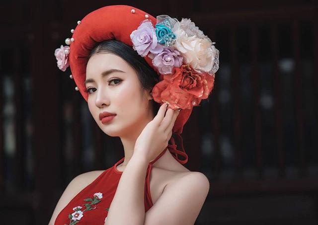 Một số hình ảnh của Hoa khôi Ngoại giao Khánh Linh