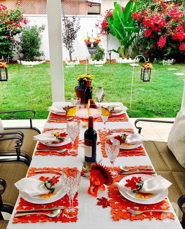 Từ bàn ăn có thể nhìn trọn vẹn khung cảnh lãng mạn xung quanh nhà.