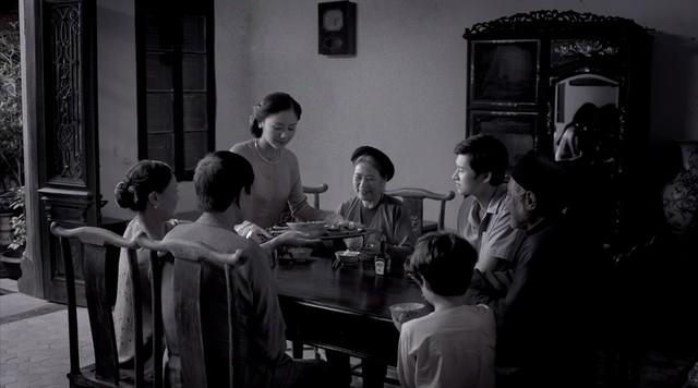 """Ký ức của Văn Mai Hương gắn với những kỷ niệm đầm ấm bên gia đình """"tứ đại đồng đường""""."""