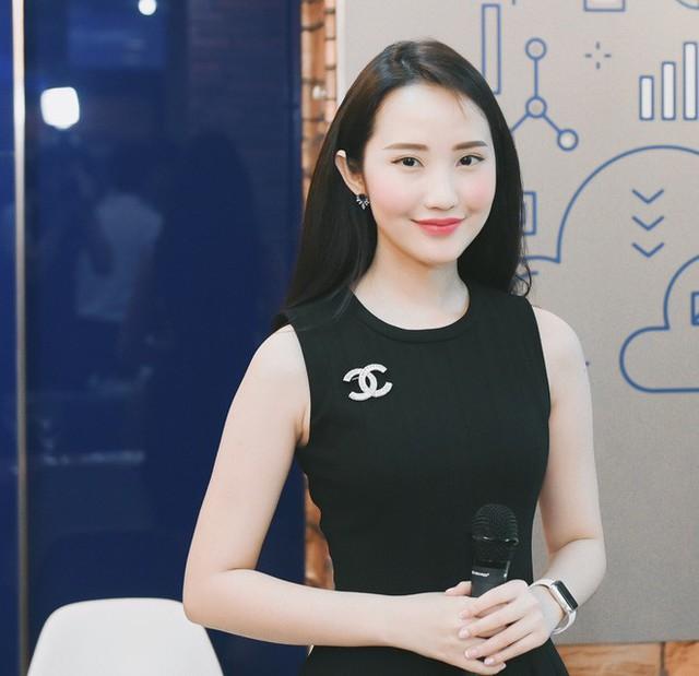 Primmy Trương hiện đang là cái tên gây sốt một phần bởi chuyện tình với Phan Thành nhưng bản thân cô nàng cũng có những điểm nhấn đặc biệt.