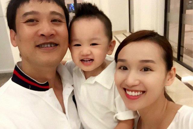 Đến tháng 4/2013, Lã Thanh Huyền đã sinh cho chồng một cậu con trai kháu khỉnh. Giờ đây, cô có một gia đình hạnh phúc, yên ấm mà nhiều người mơ ước.
