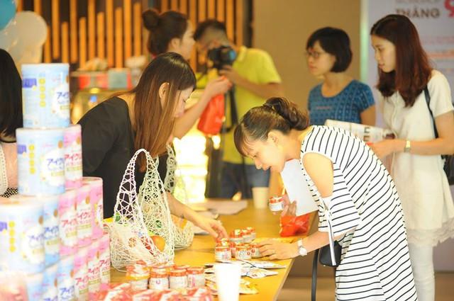 Nhóm cố vấn nuôi dưỡng trẻ Glico Icreo hỗ trợ các bà mẹ Việt trên hành trình nuôi dạy con vất vả nhưng cũng ngập tràn tình yêu thương.