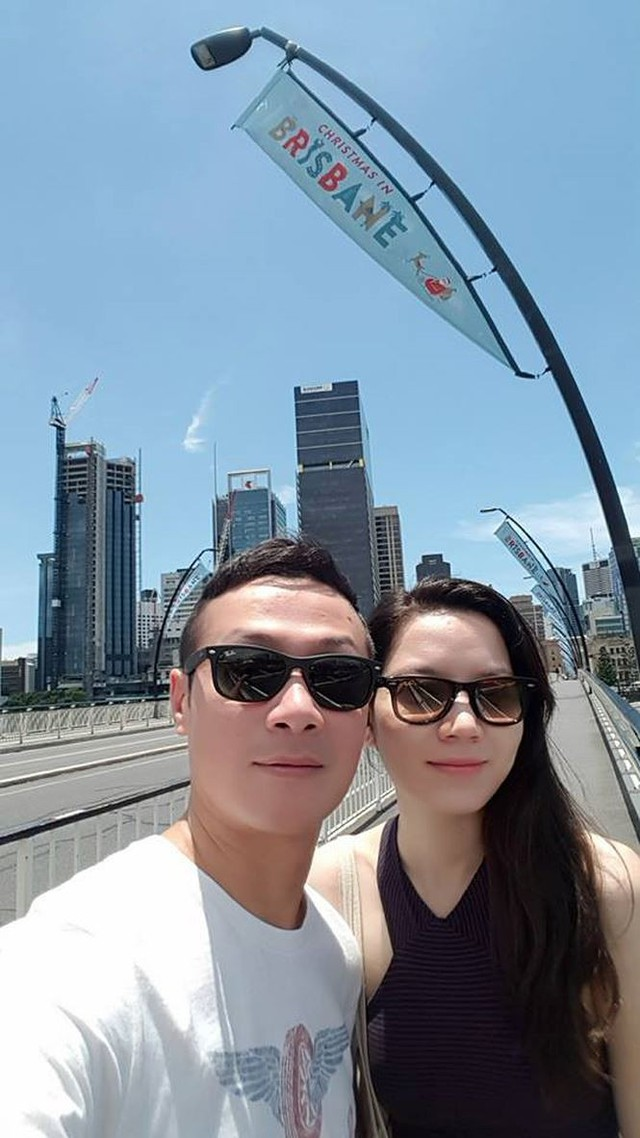 Hồng Nhung từng là thí sinh lọt chung kết cuộc thi Hoa hậu Việt Nam 2008. Cô sở hữu gương mặt xinh đẹp, lai Tây vì mang trong mình 2 dòng máu Pháp - Việt. Cũng tại năm này, Anh Tuấn là MC chính trong đêm chung kết cuộc thi.