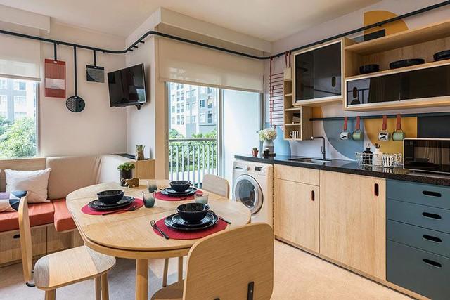 Căn hộ có đầy đủ mọi nội thất và vật dụng cần thiết như ti vi, máy giặt,...