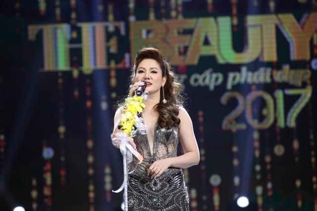 Trưởng BTC – Hoa hậu Xuân Hương phát biểu khai mạc chương trình