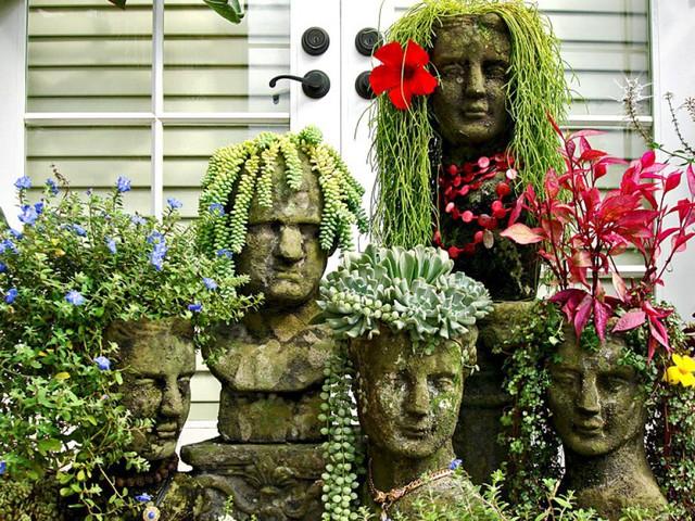 Chắc hẳn sự kết hợp giữa tượng và hoa là một tác phẩm nghệ thuật hiếm có khó tìm .